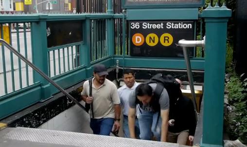 バイラル動画が地下鉄駅の問題を提示