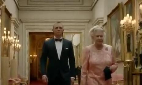 オリンピック開会式 - ジェームズ・ボンドとエリザベス女王