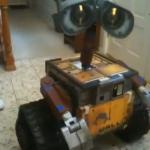 【動画】ロボット愛好家が実物大ウォーリーを作成、見た目や動きがリアルですごい!