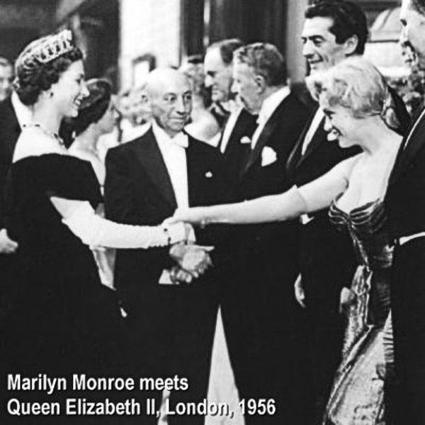 エリザベス2世とマリリン・モンロー 1956年