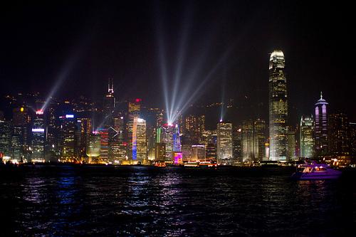 香港の大富豪が報奨金をかけて娘の婿探し