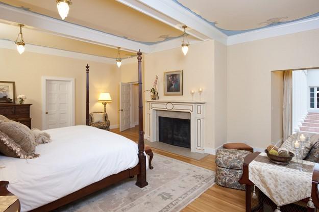 スカーフェイスの大豪邸 寝室