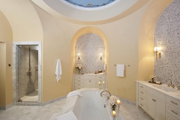 スカーフェイスの大豪邸 浴室