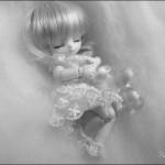64日間眠り続けた少女は「眠り姫症候群」、世にも稀な奇病と戦う17歳