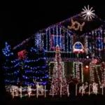 【動画】とあるお家のクリスマスイルミネーションが豪華すぎる!ダブステップに光が踊るライトショー