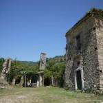 【画像】イタリア南部の廃墟村、時間に置き去りにされたゴーストタウンの風景
