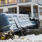 清掃のお姉さんが無人列車を奪って暴走、そのままアパートに激突 -スウェーデン