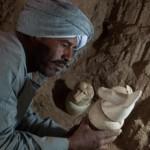 エジプトのルクソールで3000年前の古代墓を新たに発掘、中からはカノプス壺など