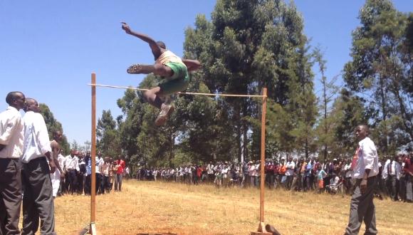 ケニアの走り高跳び