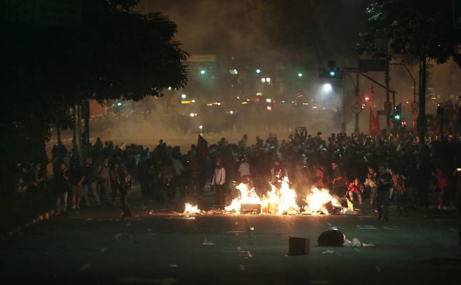 ブラジル デモ 2