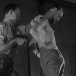 【動画】トリック?それとも人体の奇跡?剣を突き刺しても死なない不死身の男ミリン・ダヨ