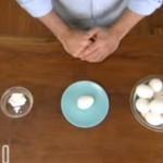 【動画】超簡単!!10秒でゆで卵の殻をきれいに剥く方法