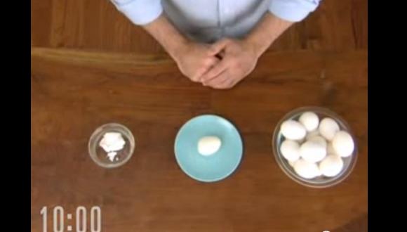 10秒でゆで卵を向く方法