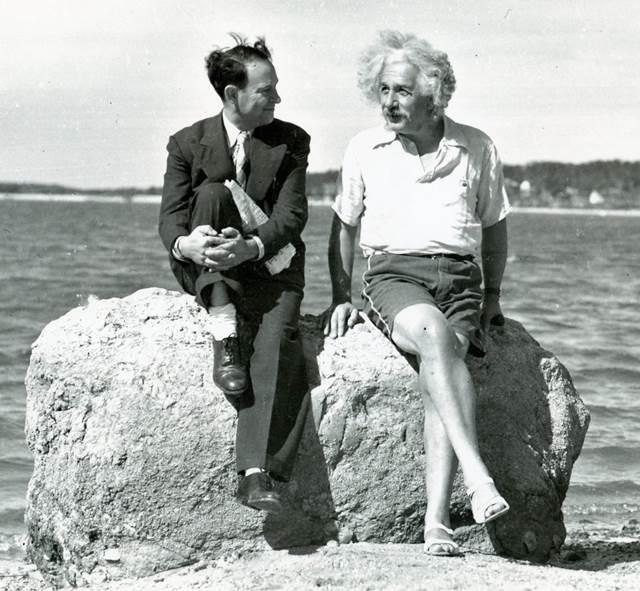 カラー化写真 アインシュタイン o