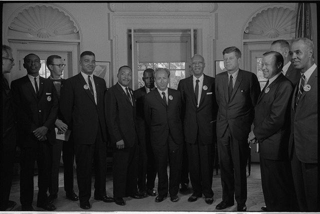 カラー化写真 キング牧師とケネディー大統領 o