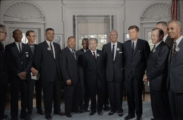 カラー化写真 キング牧師とケネディー大統領