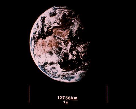ボイジャー探査機のレコード盤 写真 地球