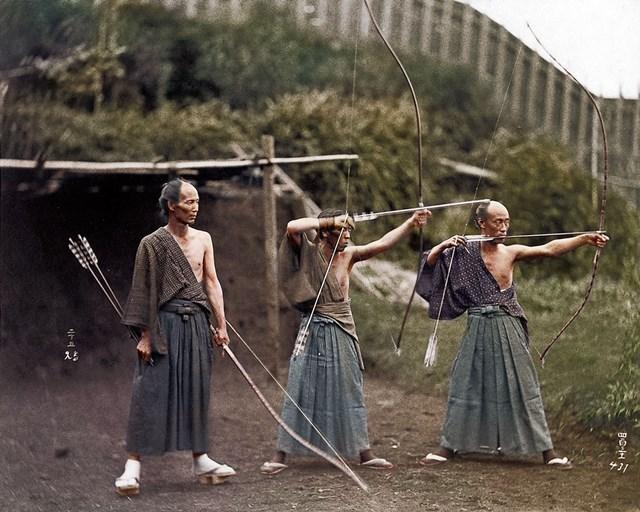 カラー化写真 日本人弓道家