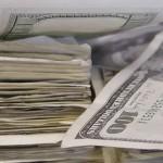 【イラスト】1兆ドルを現金で地面に並べるとこんな感じに…