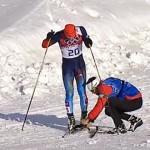 【感動】ソチ五輪クロスカントリー:ロシア代表選手の板が破損、ライバルチームの手助けで見事ゴール