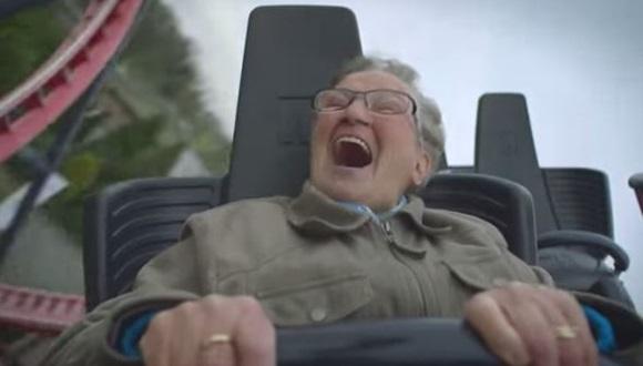おばあちゃん ジェットコースター初挑戦