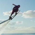 次世代のウォータースポーツ!水上ホバーボードが最高に楽しそう