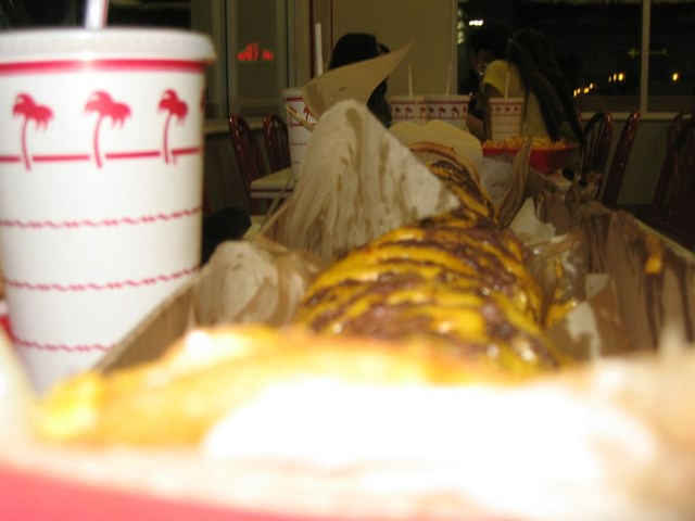 in n out 100x100バーガー2