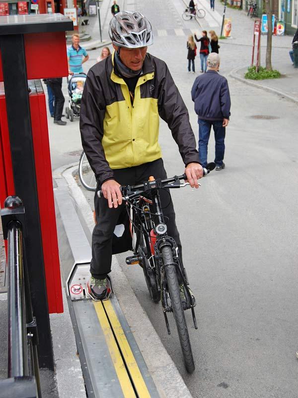 ノルウェー 自転車エスカレーター7