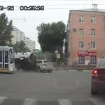 【動画】やっぱりロシア怖い…、まるでやらせのようなハチャメチャ交通事故映像