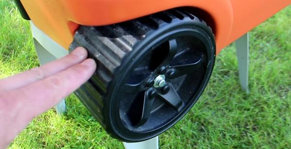 ハイテク クーラーボックス タイヤ