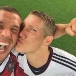 ワールドカップ決勝、ドイツのポドルスキ選手が「自分撮り」で優勝をお祝い
