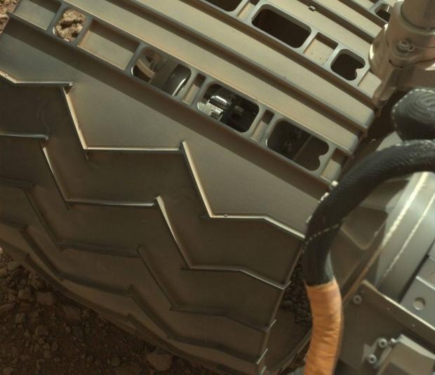 火星探索器 ビフォーアフター 車輪1