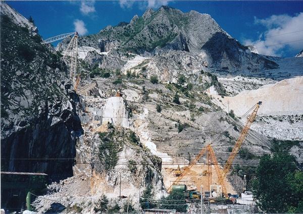 大理石 採石場 カッカーラ1