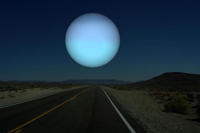 天王星 月と同じ距離だったら