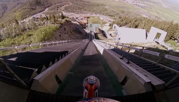 スキージャンプ バイク