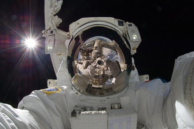 宇宙で自分撮り