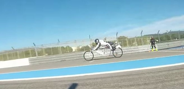 ロケット自転車1