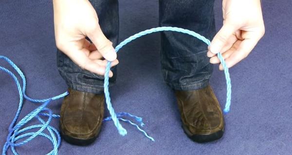 ロープを切る ナイロン