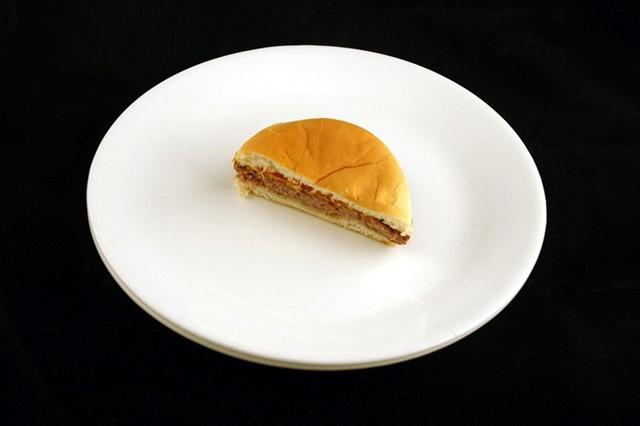 200カロリー チーズバーガー