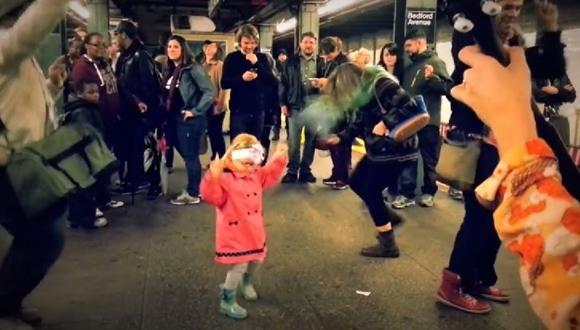 ブルックリン 地下鉄 ダンス