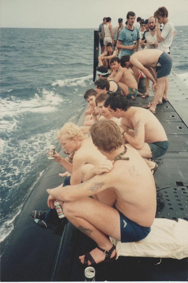 潜水艦 バーベキュー1