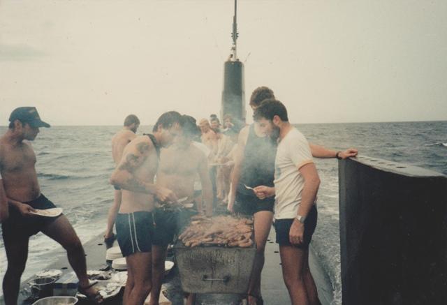 潜水艦 バーベキュー