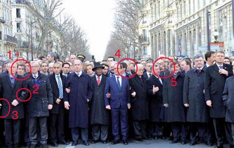 パリ デモ行進 腕組み 偽物2
