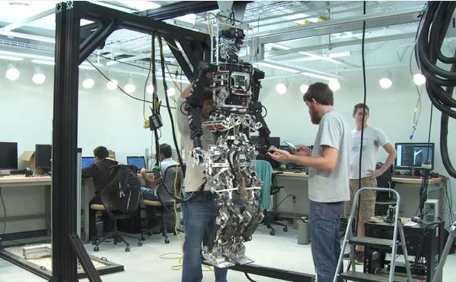 アメリカ海軍 消防ロボット3