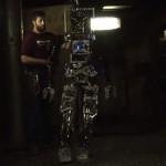米海軍が開発中の人間型船上消防ロボット「SAFFiR」