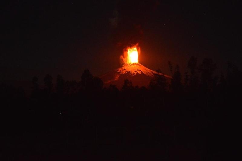 チリ 噴火