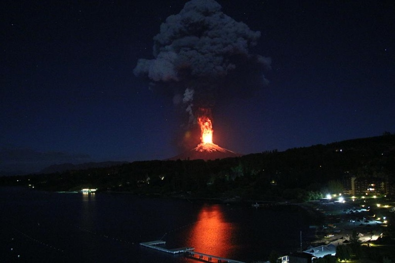 チリ 噴火 2015