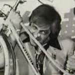 ミシェル・ロティート: 小型飛行機を完食しちゃったフランスの男