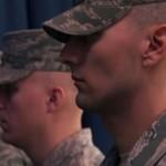 【動画】アメリカ空軍儀仗兵はこうやって石の心を鍛え上げる