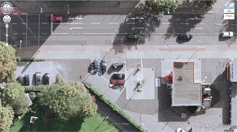 googleマップ 転倒した車